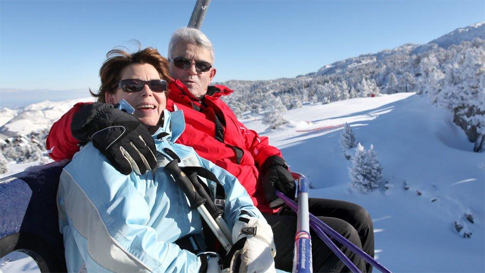 free-spirit-ski-couple winter sports holiday