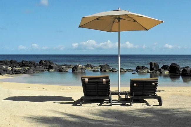 2 Sun beds on a beach in Mauritius