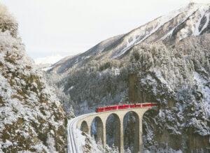train holidays in canada